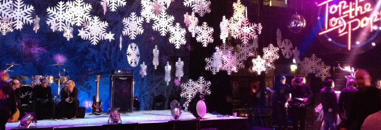 xmas-foam-snowflakes